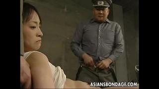 Hiếp dâm tù nhân bạo dâm