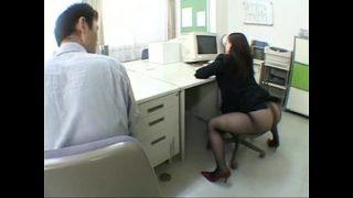 Em thư ký mông to quyến rủ sếp mê gái