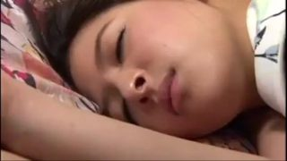Hiếp dâm em vợ đang ngủ miên man